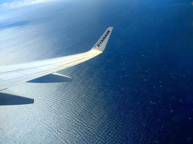 air-travel-aircraft-aircraft-wing-731281